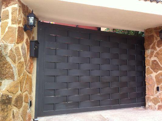 Trabajamos el hierro puertas patio para comunidades de for Puertas metalicas para patio