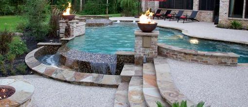 Backyard Oasis: Custom Pool Builders - Swimming Pool Construction ...