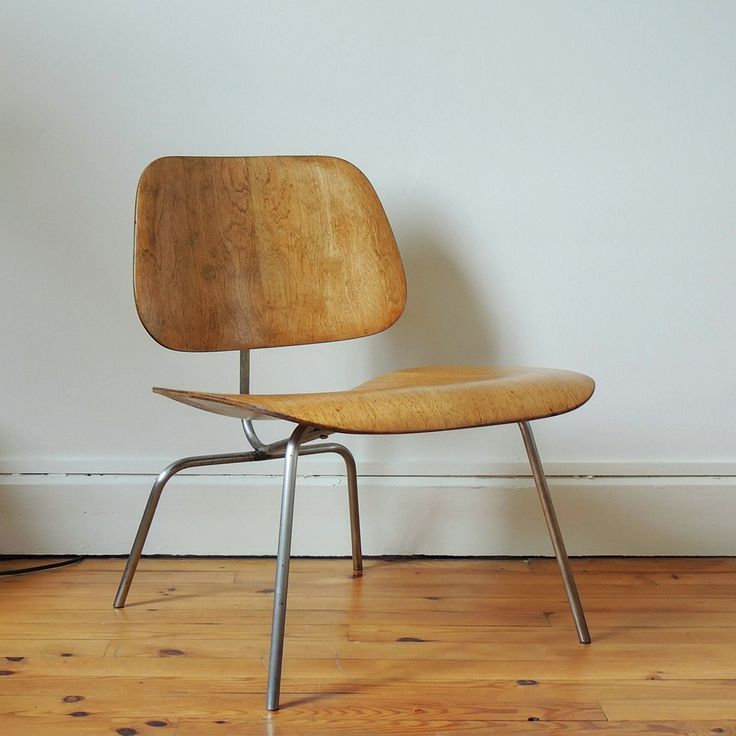 "279 Likes, 10 Comments - Martin La Brocante (@martinlabrocante) on Instagram: ""Charles & Ray EAMES - Fauteuil bas LCM Evans - 1ère génération - Bouleau - Circa 1946 - FOR SALE .…"""