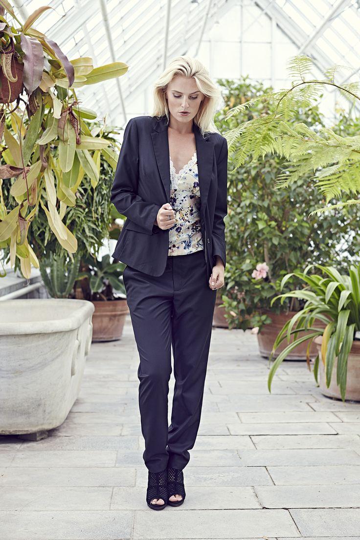 Tea blazer - Black with Sarina top - Flower Soft and Sabine pants - Black