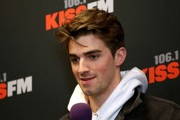 Andrew Taggart Photos Photos - Recording artist Andrew Taggart of music group The Chainsmokers attends 106.1 KISS FM's Jingle Ball 2016 presented by Capital One at American Airlines Center on November 29, 2016 in Dallas, Texas. - 106.1 KISS FM's Jingle Ball 2016 - Press Room