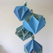 Grappe de diamants bleus et vert d'eau en papier washi. A retrouver dans ma boutique