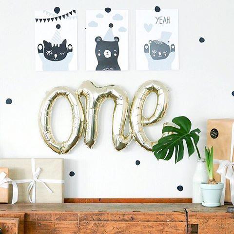 BABYLOVE 💚 Mit den süßen Karten und Walldots von @petite.voyou und unserem Script von @northstarballoons 💚 #one #baby #party #babyparty #love #deko #decoration #ballon #balloon #balloons #walldots #monstera #home #birthday #geburtstag #graphicdesign #graphic #cards #leipzig #dresden #berlin #shopping #happy #dienstag #tuesday #sun