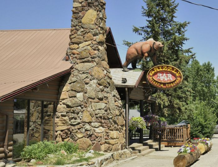 This Remote Montana Restaurant Will Take You A Million Miles From Anywhere