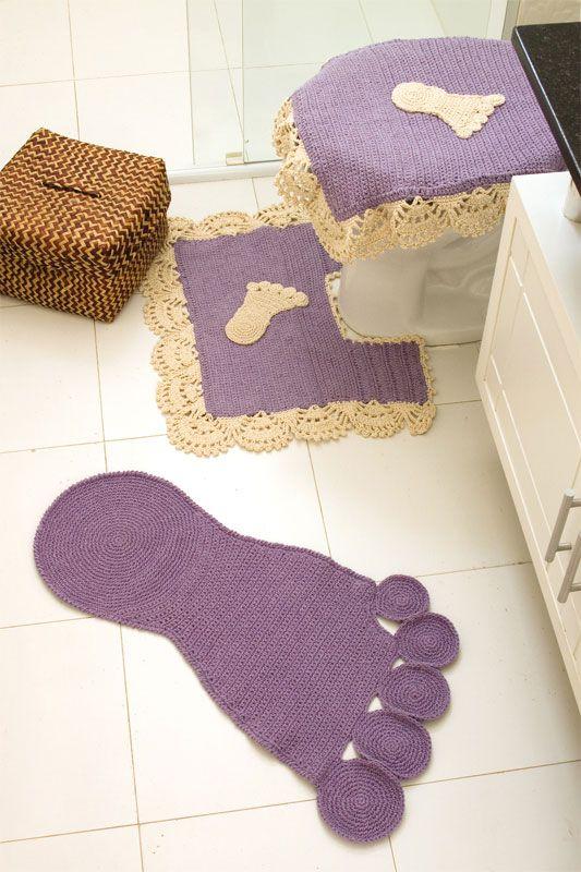 Quirky Bathroom set.Pattern in Portugese. Kit para banheiro de crochê com
