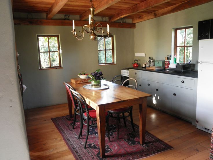 The kitchen at Fynboshoek Cottage , a farmstay in Stormsrivier, South Africa
