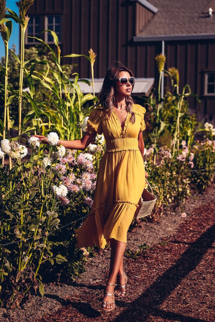 The VivaLuxury | Napa Valley :: Favorite Winery - yellow midi dress