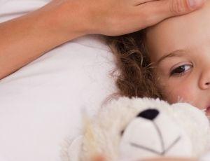 Die Kunst, allein zu spielen, beherrschen schon Babys. Sie können diese Fähigkeit aber wieder verlieren, wenn ihre Eltern es zu gut mit ihnen meinen. Und glauben, sie müssten sich mit ihrem Nachwuchs beschäftigen, sobald er die Augen aufschlägt. Lesen Sie unsere sechs Regeln.