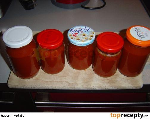 Šípková marmeláda hřebíček, badyán, skořice, vanilka, kardamom