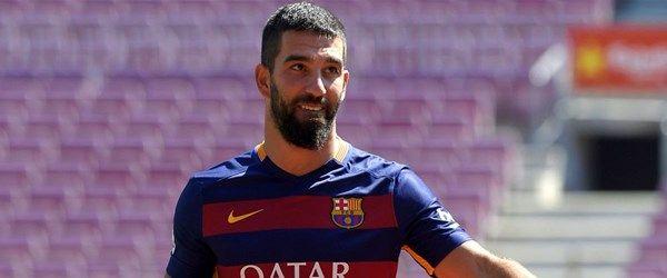 Arda Turan Barcelona kadrosunda