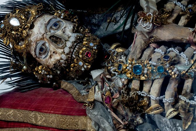[Image] | The Beauty of Death: Catacomb Saints Photographed by Paul... - TIMEWHEEL