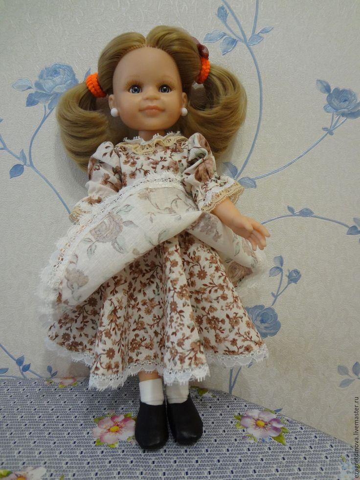 Купить или заказать ПРОДАНО! Платье для куклы Paola Reina 32-34 см Кофе с молоком! в интернет-магазине на Ярмарке Мастеров. Повседневное платье, но вместе с тем милое и очень симпатичное, для кукол Paola Reina 32-34 см и им подобных. Платье выполнено из хлопка и кружев. Застегивается на спинке на миниатюрные кнопочки. Все швы обработаны. Кукла и обувь в комплект не входят. Одежда подходит для кукол Паола Рейна и аналогичных. На фото кукла ростом 32 см. В комплект входят: Платье из…