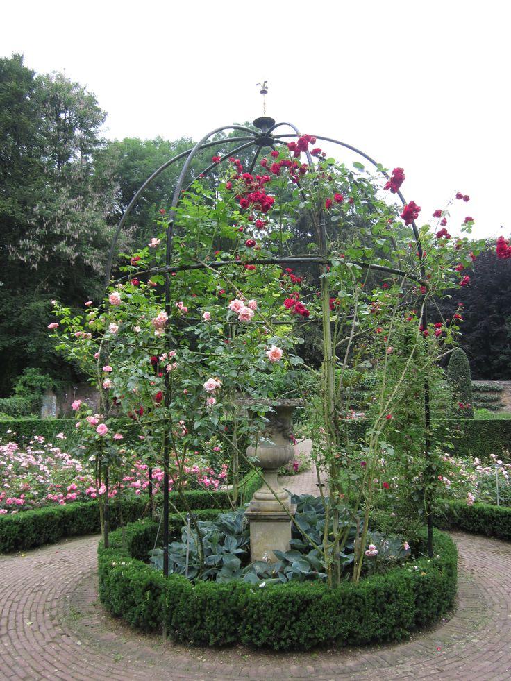 Ook in Hemmen,prachtige rozentuin en nog veel meer bloemen, juli 2016