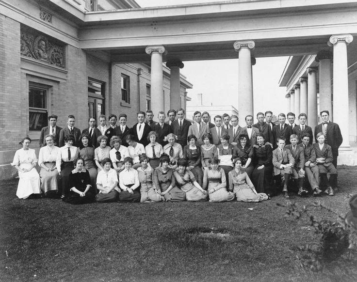 Anaheim High School 1916 graduating class
