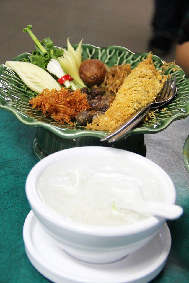 royal thai food Royal Thai Food at Bangkoks Classy Krua OV (ครัว OV) - http://www.eatingthaifood.com/2013/06/royal-thai-food-at-bangkoks-classy-krua-ov/