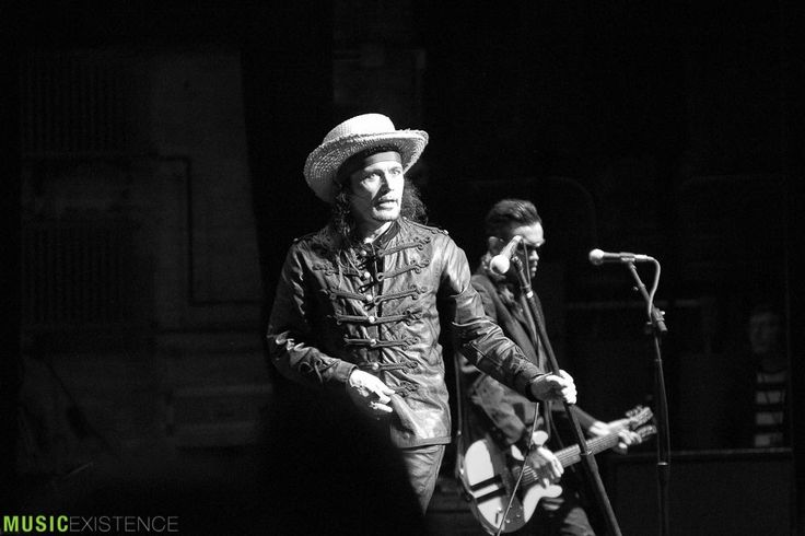 Gallery & Show Review: Adam Ant at Beacon Theater in New York City 09.12.17 – Music Existence