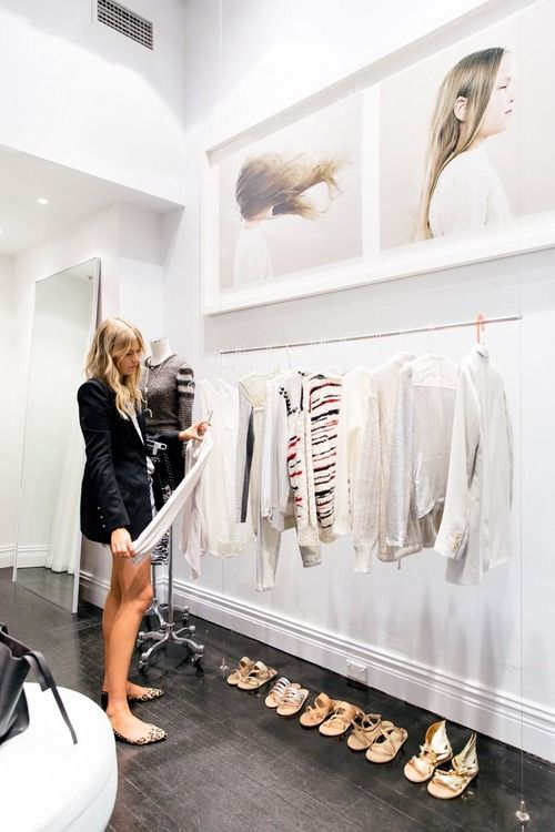 This is a fantastic alternative to no closet space. Gorgeous.
