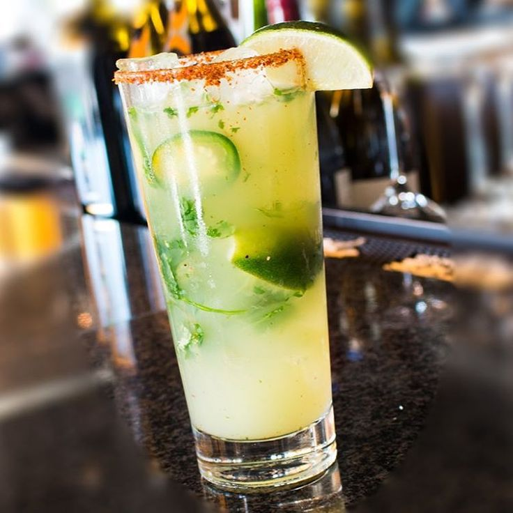 – Start your weekend with a spicy Fuego Jalapeno cocktail from Sally's Seafood on the Water at Manchester Grand Hyatt San Diego.