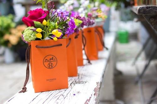 Hermes floral arrangements ... To die for!