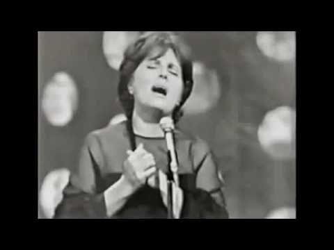 Amália Rodrigues - Canção do mar - What a voice.