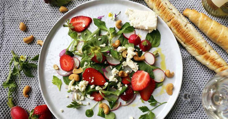 Préparez cette salade fraîche et goûteuse pour un repas en amoureux savoureux. En plat principal ou comme accompagnement, vous l'adorerez!