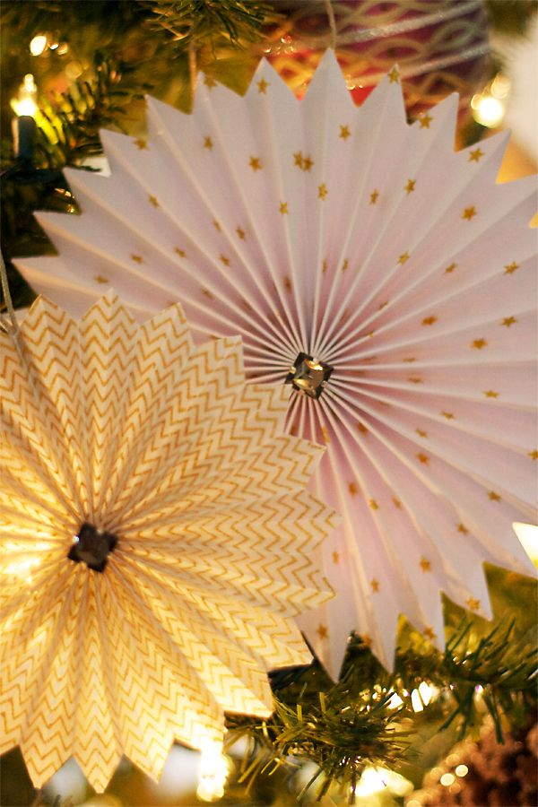 Simple Surface Paper Rosettes | Cosmo Cricket