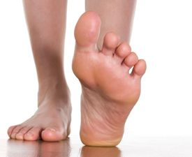 It's popularly known as athlete's foot. But the single term actually encompasses two conditions:foot fungusandmycotic nails–sometimescalled fu