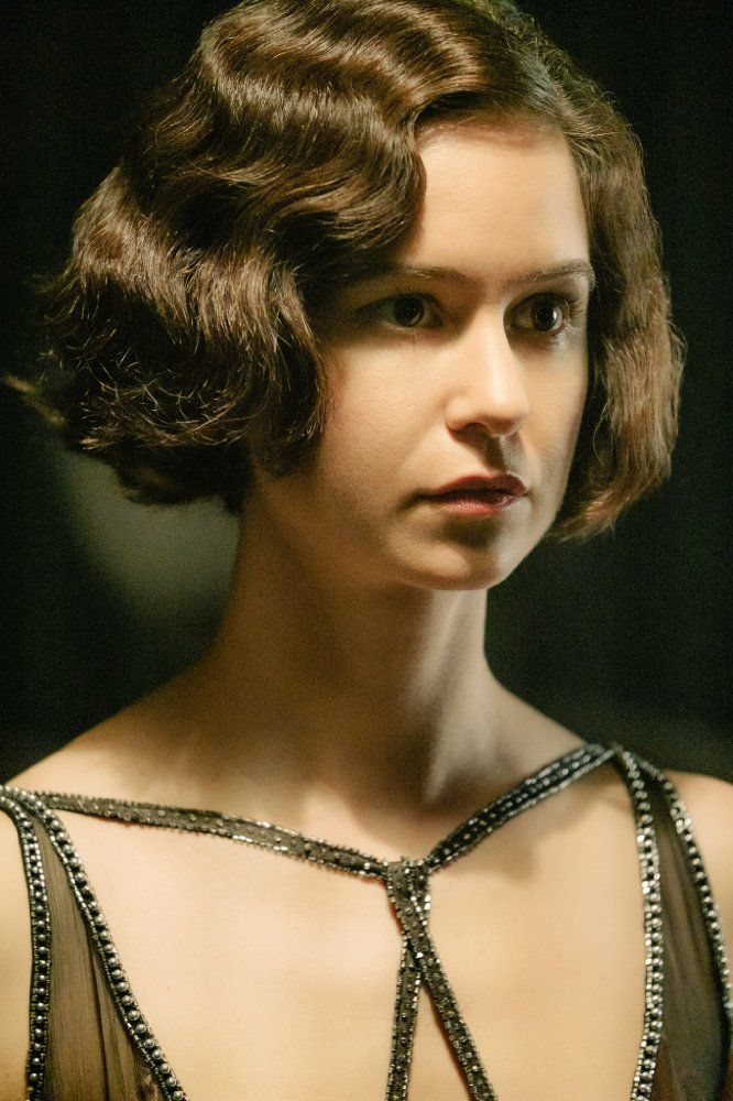 Image of Katherine Waterston in Fantastic Beasts and Where to Find Them