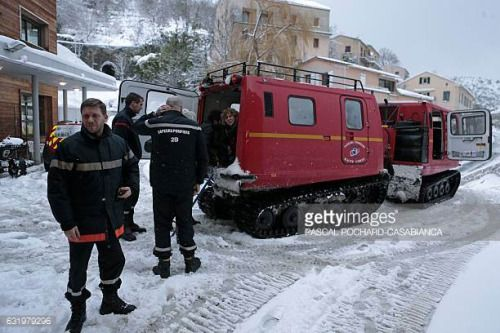 04-26 Employees of the Tattone hospital leave a vehicle of the... #venaco: 04-26 Employees of the Tattone hospital leave a vehicle… #venaco