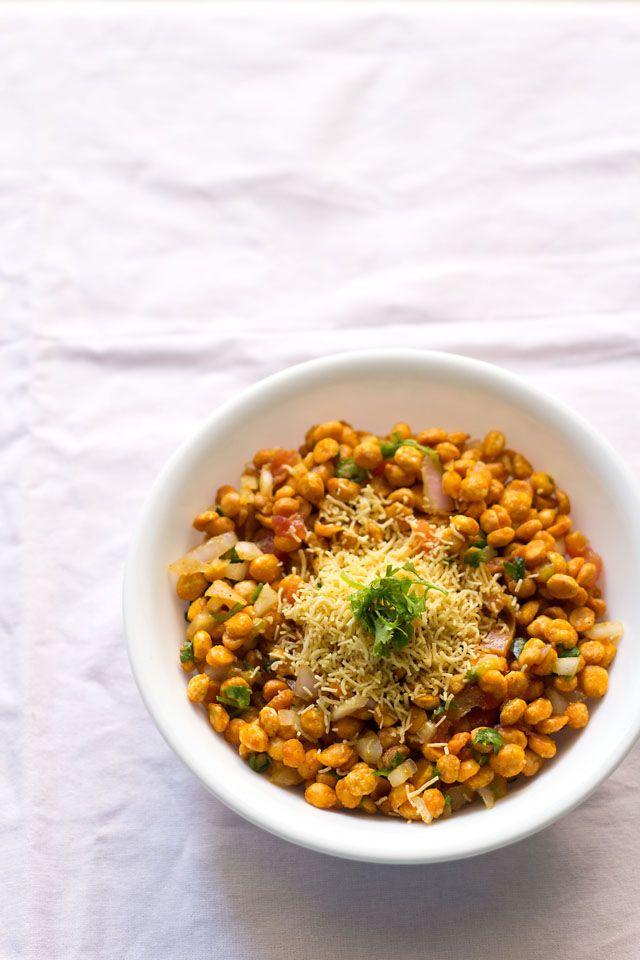chana dal bhel puri, how to make spicy chana dal bhel puri recipe