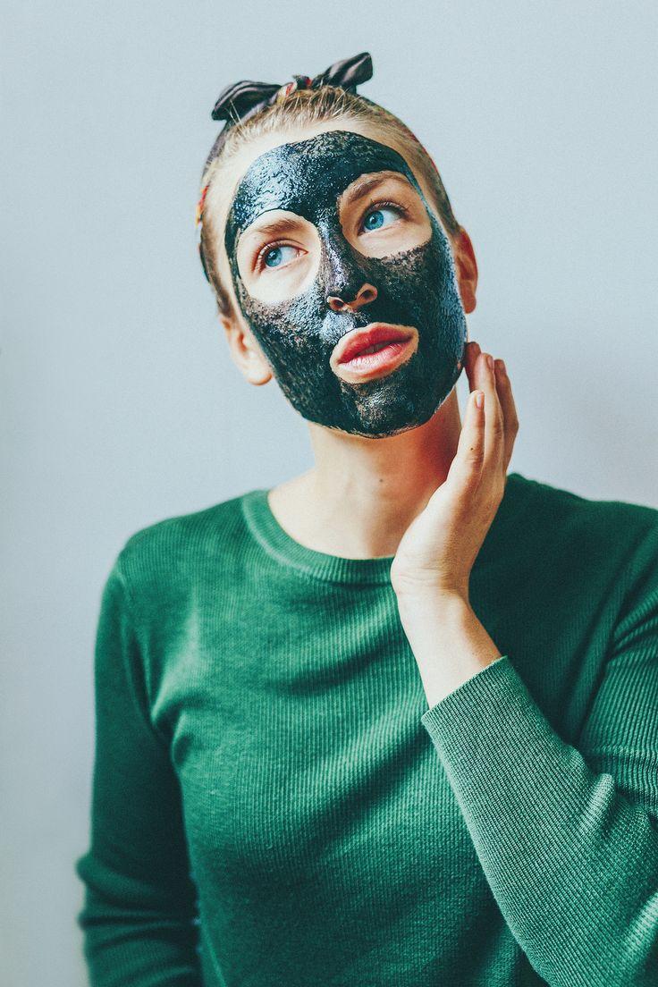 ansiktsmask med aktivt kol - karinevelina.se