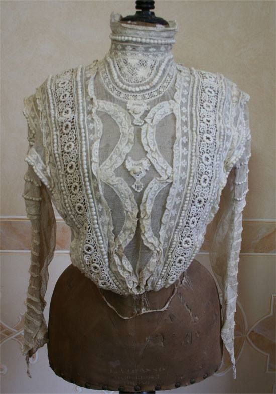Edwardian lace shirtwaist blouse, ca 1907. Part of a whole outfit consisting of this + embroidered bolero and skirt. Source: the amazing Abiti Antichi website (stunning collection of Victorian/ Edwardian dresses)
