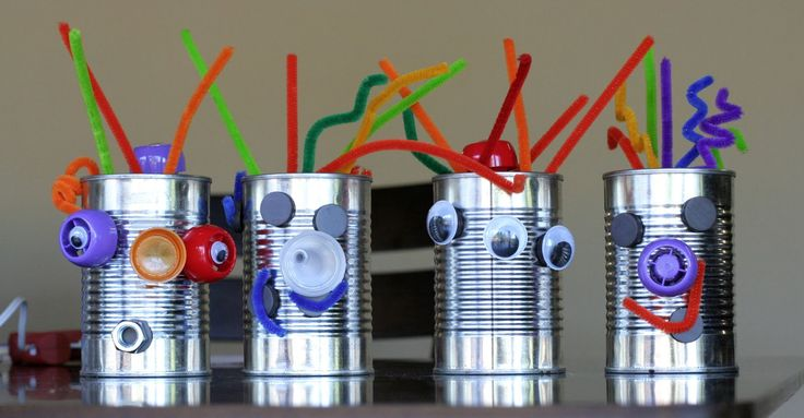 recycled robots from Fun at Home with Kids