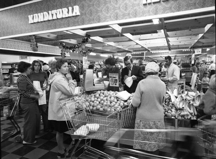 Uusikaupunki, Suurmarket 1975. Valokuvaamo Varjuksen kokoelmat, Uudenkaupungin museo