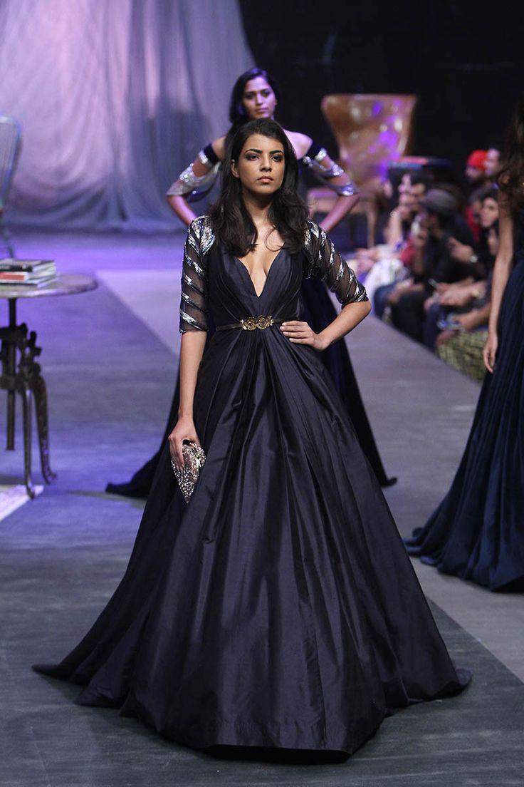 Manish Malhotra | Lakme Fashion Week Winter Festive 2015 #PM #Indiancouture