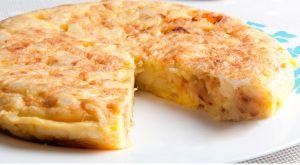 ¡Tortilla de patatas sin huevo! Conoce las distintas alternativas que tenemos para hacer una tortilla de patatas sin huevo.