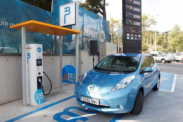 Nuevo punto de recarga rápida de Nissan en Barcelona