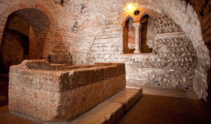 Retrace Romeo and Juliet's locations in Verona Italy ...