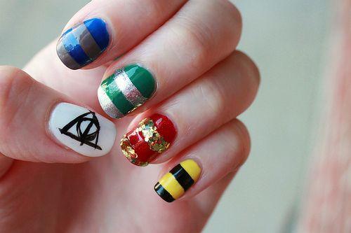 hp nailsHp Nails, Nails Art, Nails Colors, Sweets Nails, Harry Potter Nails, Harry Potter House, Nails Ideas, Hogwarts House, Nails Polish Colors