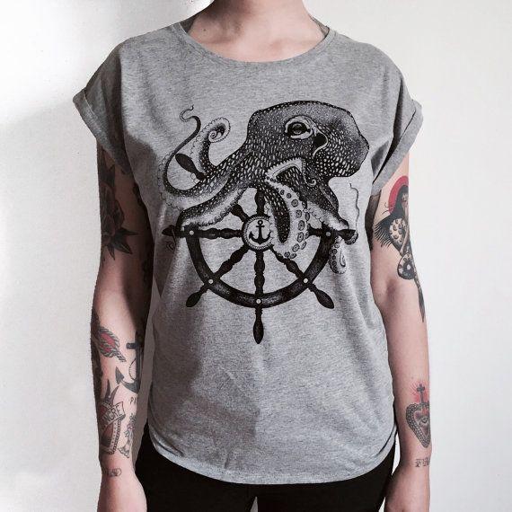 T-shirt grigia da donna con stampa polipo e di Hardtimestore