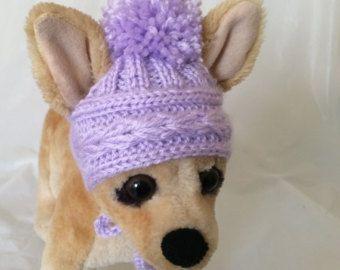 Este sombrero de perro es perfecto para tu Chihuahua, Poodle, Yorkie o perro pequeño Exclusivo 100% tejidos a mano Diseño original  Tamaño de XS-10-11                                                                                                                                                                                 Más