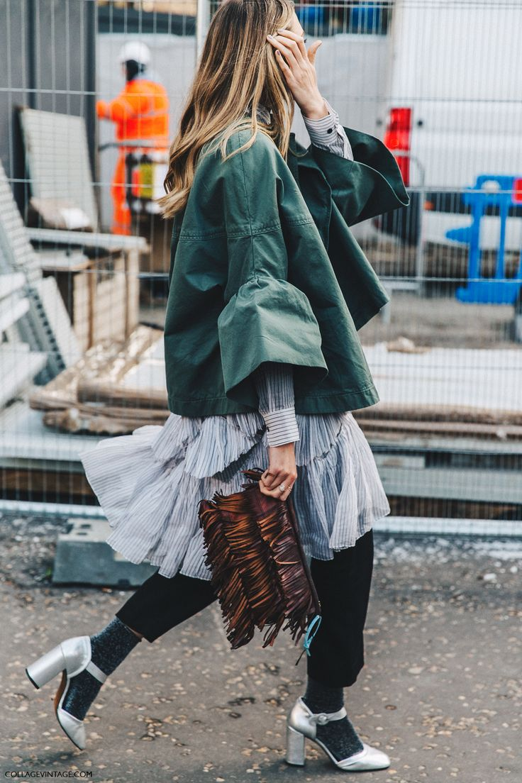 #streetlook LFW-London_Fashion_Week_Fall_16-Street_Style-Collage_Vintage-Ruffled_Outfit-Silver_Shoes-Mettalic-Glitter_Socks-