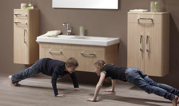Bányai Pikante Fürdőszobabútor - Könnyed életstílus képviselőinek készült a Picante II program, mely üde színfoltkén jelenik meg a minimál bútorok világában. A legömbölyített sarkok lágy megjelenést kölcsönöznek a fürdőszobabútornak. A Picante II könnyen megoldja a rábízott feladatokat.