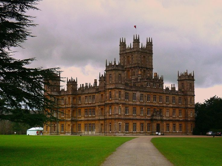 Highclere castle newbury hampshire england my life story in pictures pin - Chateau downton abbey ...