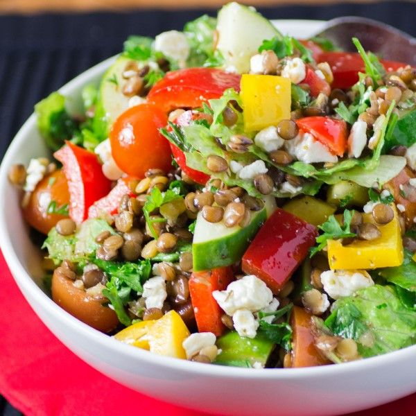 This bright Mediterranean lentil salad is bursting with flavours and can accompany any entree!  #LentilsLoveVeggies #HalfYourPlate