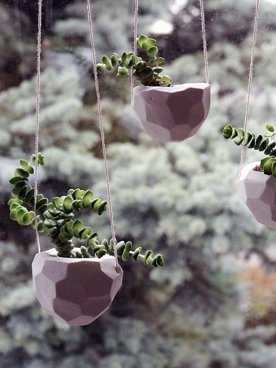 DIY-Anleitung: Blumenampel im Facettenmuster selber machen / diy tutorial for hanging planters, fake concrete, urban jungle via DaWanda.com