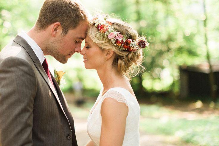 wedding hair with headpiece #wedding #hair #weddinghair Blumenkranz