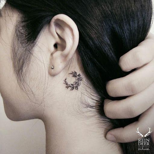 Esta pequena atras da orelha coroa de flores, http://tatuagens247.blogspot.com/2016/09/fabuloso-feminino-tatuagem-de-ideias-de.html