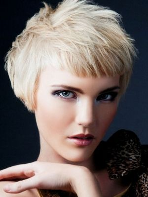On-Trend Choppy Bob Haircuts - Bring your hair back to life with one of these on-trend choppy bob haircuts. Get gorgeous with a dazzling haircut that suits your features and character. Master a few A-list styling tricks to add an amazing finish to your tresses.