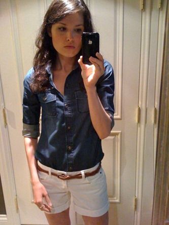 denim shirt. white shorts. belt. too cute!